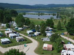 Camping et lac