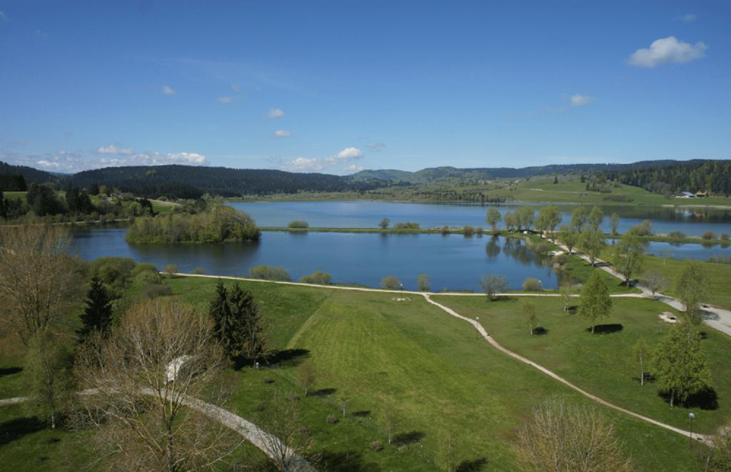Le camping vue sur le Lac
