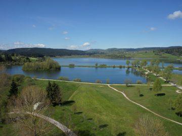Lac remoray Doubs Jura arrière plan
